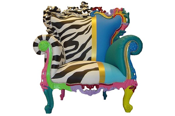 multicolor-armchair-from-fuiano-fit-for-a-queen-3.jpg