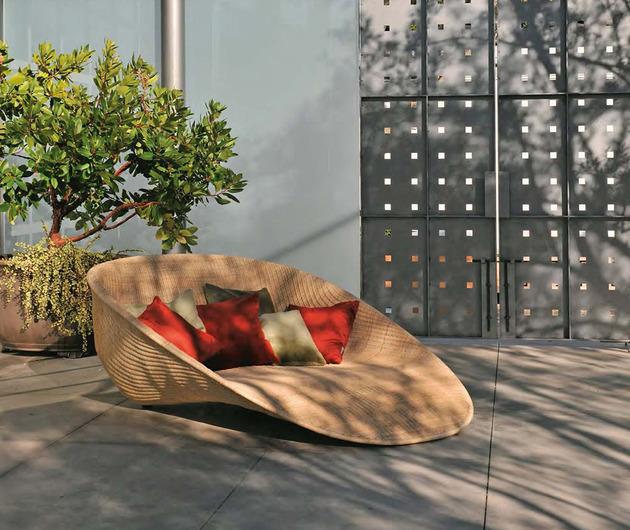 stunning-outdoor-furniture-collection-fibonacci-by-janus-et-cie-4.jpg