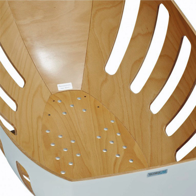 baby-bassinet-and-cradle-with-windows-by-gloria-lavi-6.jpg