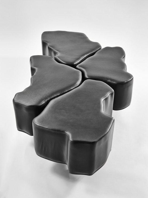 soft leather coffee table finne architects 2 thumb autox841 32790 Soft Leather Coffee Table by Finne Architects