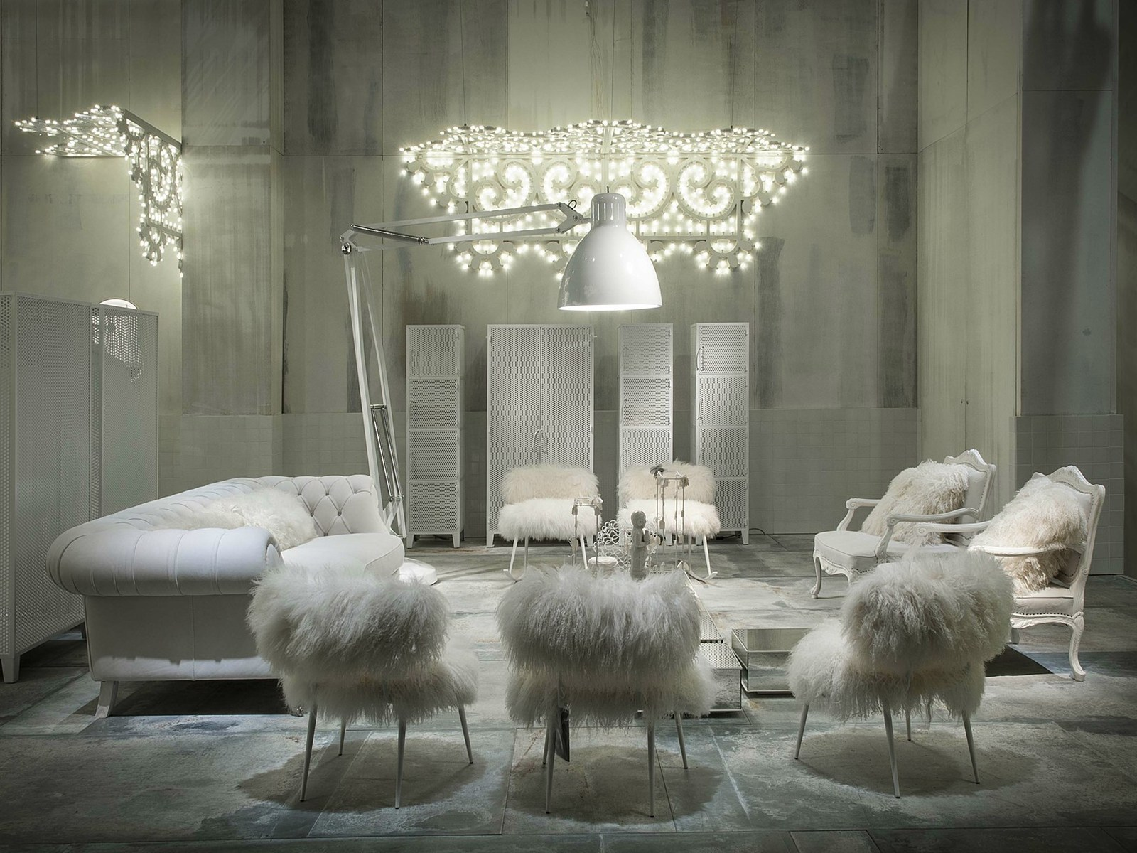 Paola navone designs white fairy tale like interiors to for Room design in nepal