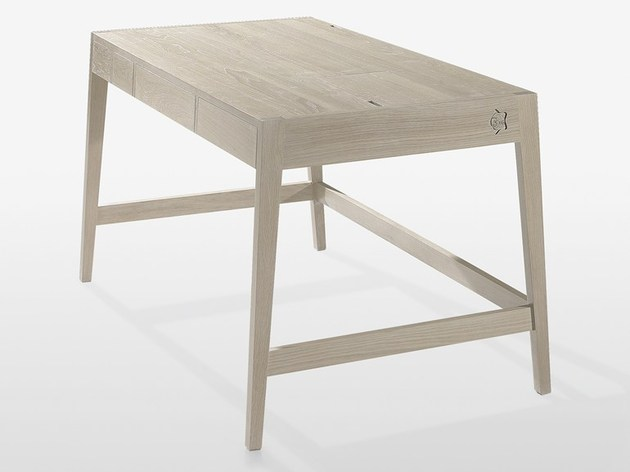 no screws glue solid wood desk wewood 2 thumb 630xauto 36316 No Screws or Glue in Solid Wood Desk by Wewood