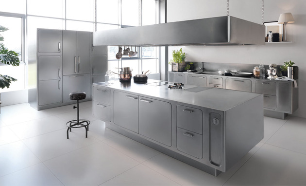 sleek sumptuous stainless steel kitchen abimis 1 thumb 630xauto 37557 Sleek and Sumptuous Stainless Steel Kitchen by Abimis