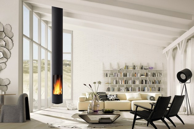 three modern fireplaces create stunning focal points 2 thumb 630xauto 37446 Three Modern Fireplaces Create Stunning Focal Points