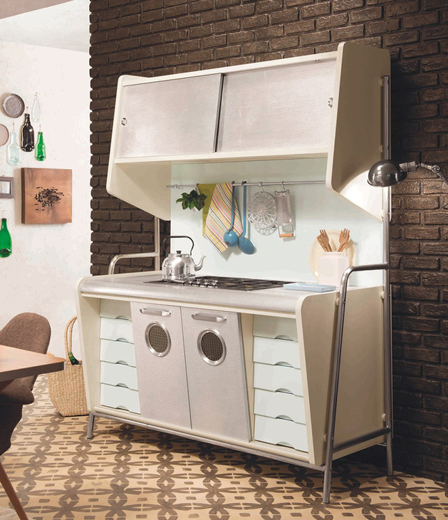 retro-kitchen-with-1950s-look-st-louis-eurocucina-3.jpg