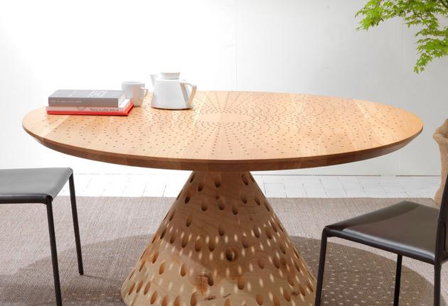 colino-round-table-creates-light-show-4.jpg