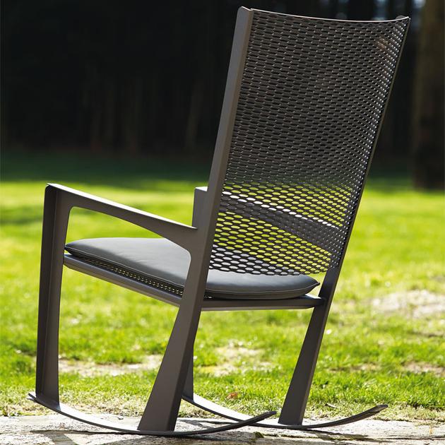 classic-rocking-chair-cornelia-by-giorgio-cattelan-3.jpg