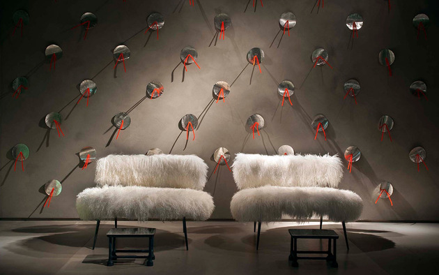 faux-fur-furniture-from-baxter-by-paola-navone-nepal-11.jpg
