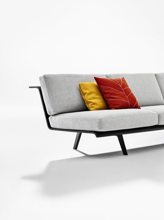 versatile modular sofa system zinta from arper. Black Bedroom Furniture Sets. Home Design Ideas