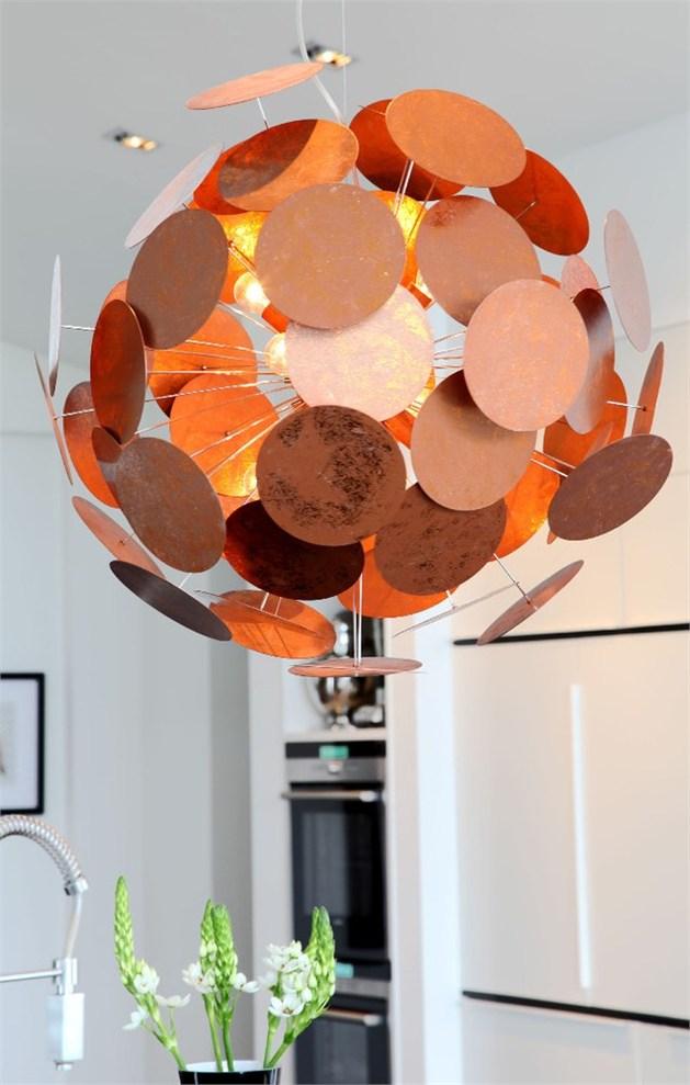 by rydens%20 sculpturally modern copper lighting 2 thumb autox989 48455 By Rydens: Modern Copper Lights Shine