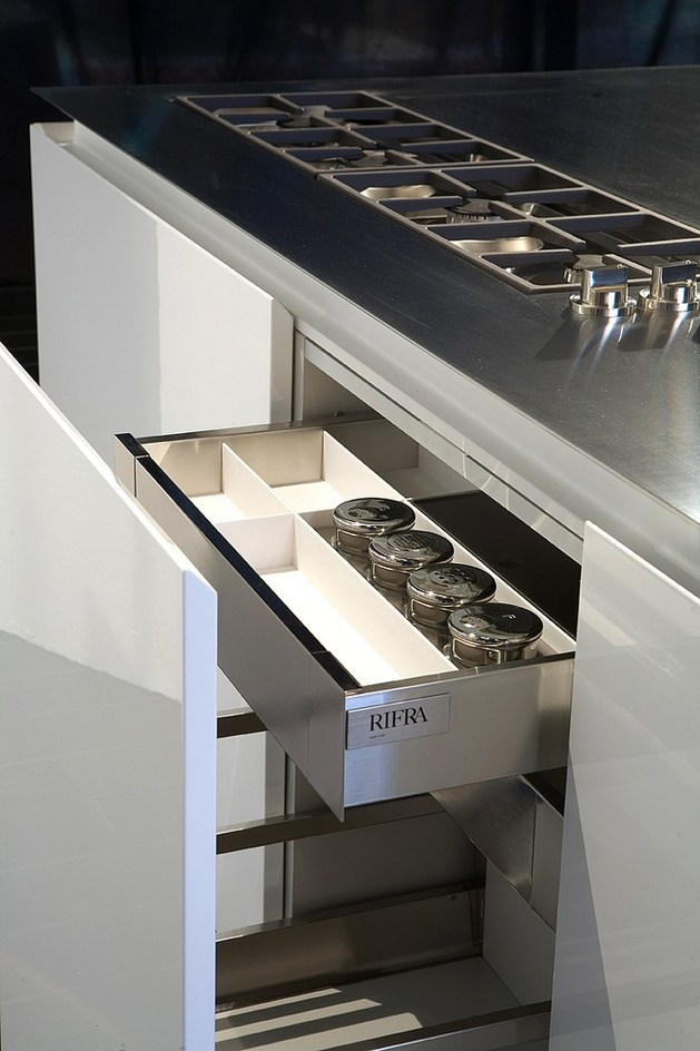 fly-kitchen-collection-rifra-30-45-deg-angles-8-storage.jpg