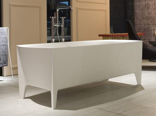 freestanding-modern-bathtub-by-mario-ferrarini-3.jpg