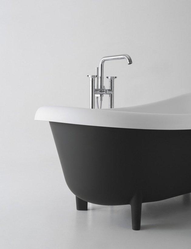 retro-modern-free-standing-tub-by-antonio-lupi-3.jpg