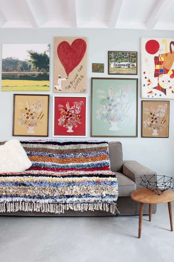 wow-a-carpet-made-from-pieces-of-your-life-your-memories-and-some-old-clothes-3b.jpg