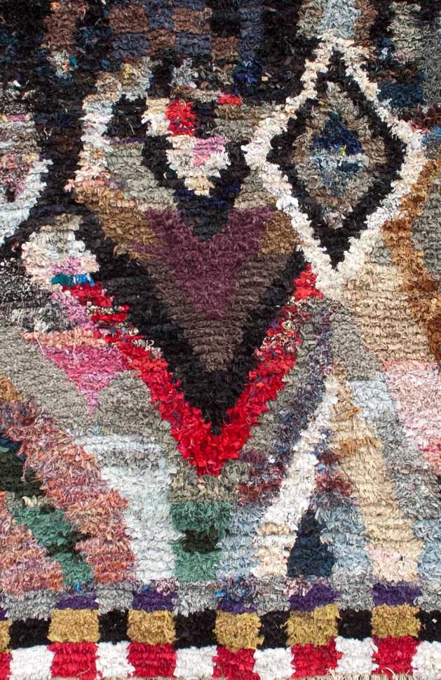 wow-a-carpet-made-from-pieces-of-your-life-your-memories-and-some-old-clothes-6a.jpg