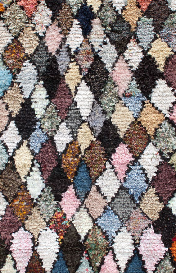 wow-a-carpet-made-from-pieces-of-your-life-your-memories-and-some-old-clothes-7a.jpg