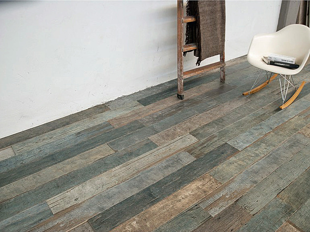 astonishing porcelain tile looking like real weathered wood 1 thumb 630xauto 51570 Amazing Distressed Wood Looking Tile