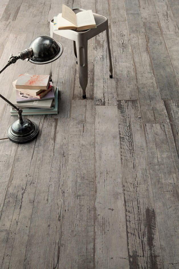 astonishing-porcelain-tile-looking-like-real-weathered-wood-3.jpg