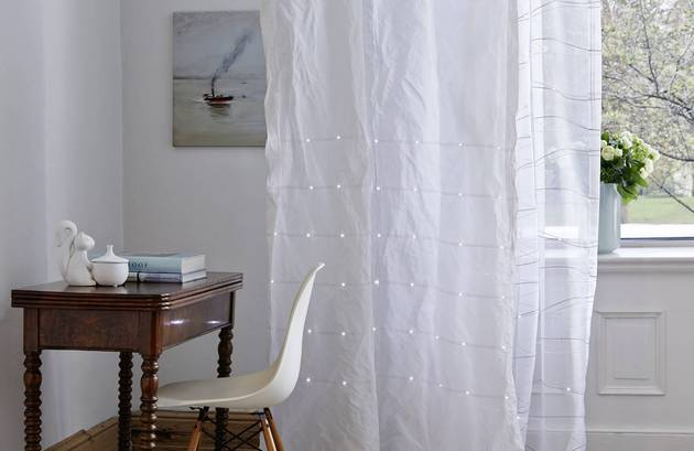 curtains with led Lights take window coverings to new level 2 thumb 630xauto 51950 Curtains with LED Lights Take Window Coverings to New Level