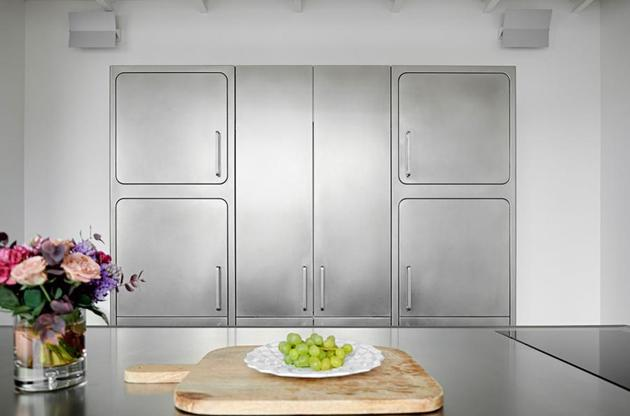abimis professional kitchen wall cabinets 2 thumb 630xauto 54157 Cook like a Pro with Abimis Stainless Steel Kitchen