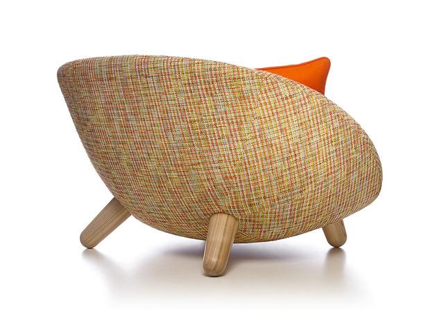 funky love sofa by marcel wanders will romance you 2 thumb 630xauto 53606 Funky Love Sofa by Marcel Wanders will Romance You