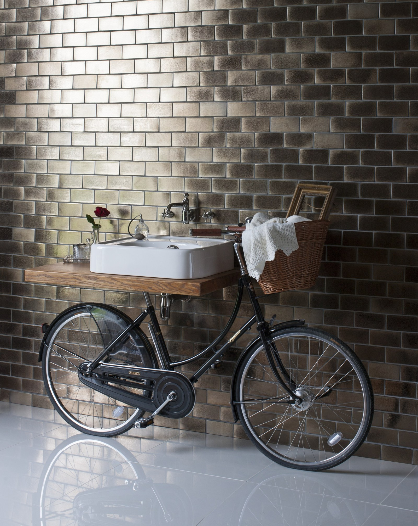 Perfect View in gallery vintage washbasin bicy by regia is basin bike