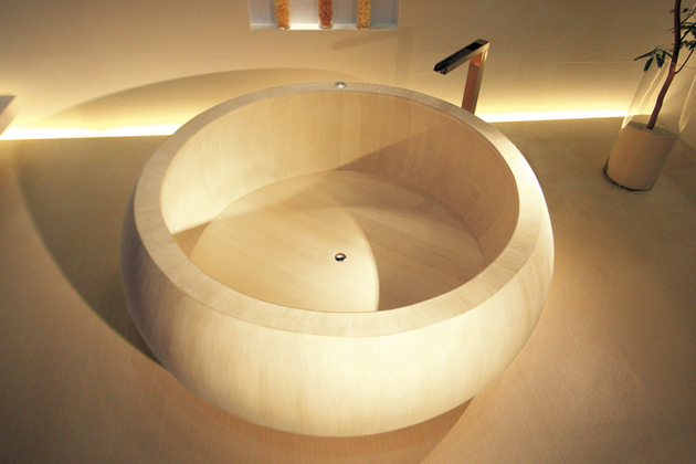 japanese-wood-bathtub-ofuro-cypress.jpg