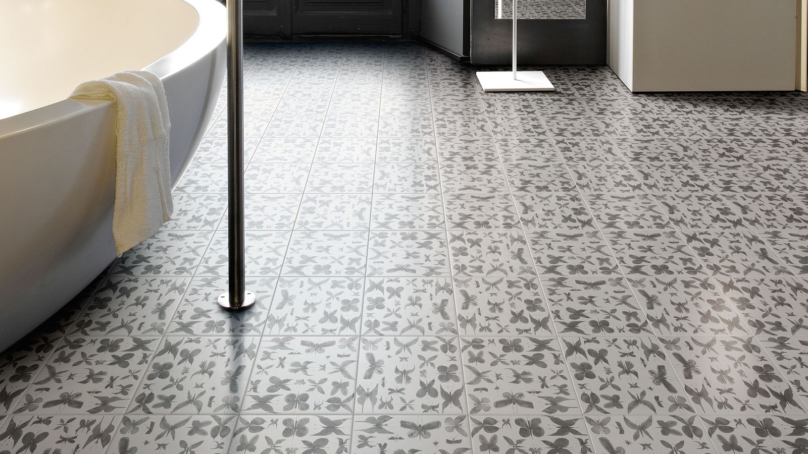 25 beautiful tile flooring ideas for living room kitchen and view in gallery hand painted ceramic tiles papillon ruben toledo for dailygadgetfo Images