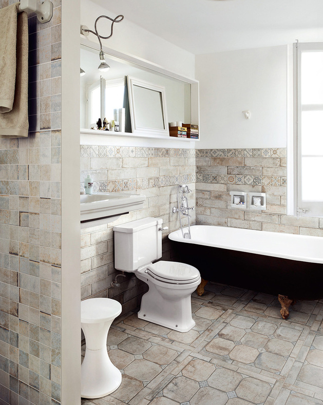 terracotta-effect-tile-floor-bathroom-terre-nuove-santagostino.jpg