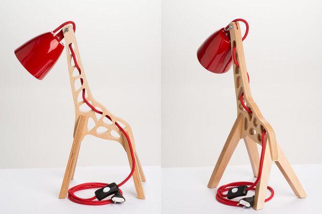 3-giraffes-whimsical-table-lamp-leanter.jpg