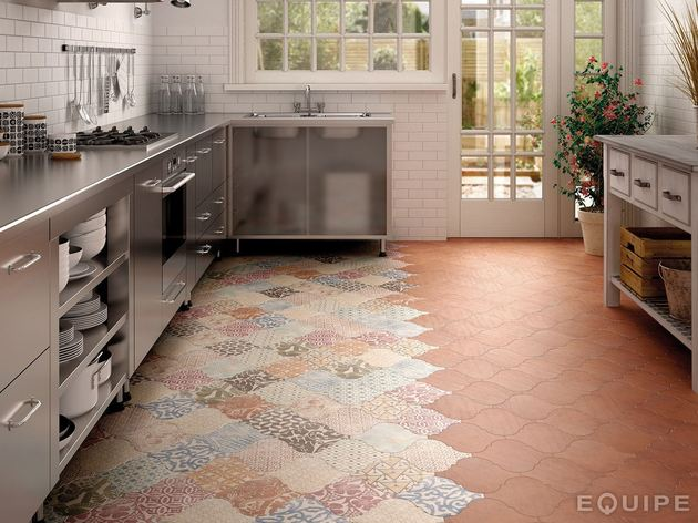 arabesque-tile-kitchen-floor-patchwork-equipe-4.jpg
