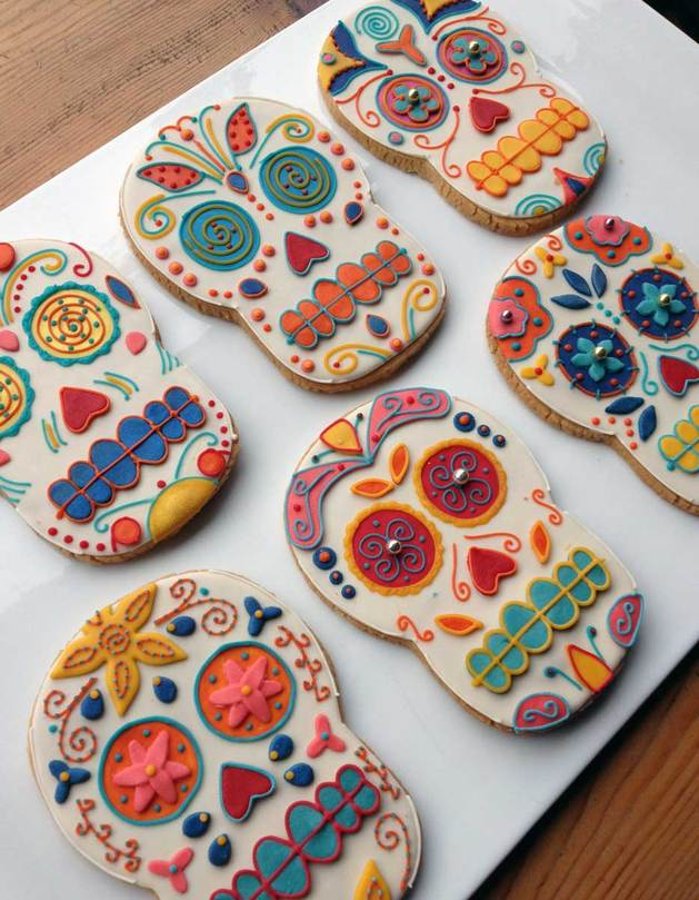 day-of-the-dead-decor-cookies.jpg