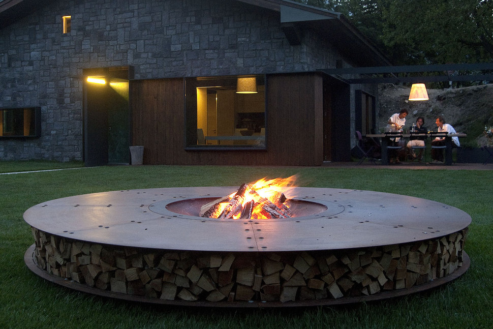 Round fire pit ideas by ak47 for Big fire pit