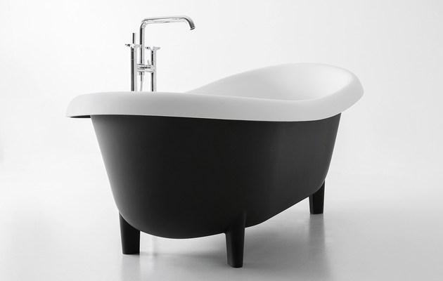 suite-black-bathtub-antonio-lupe.jpg