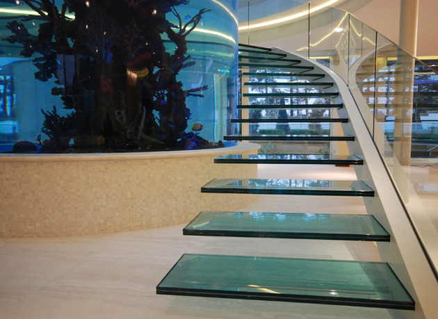 unusual-unique-staircase-modern-home-aquarium-2.jpg