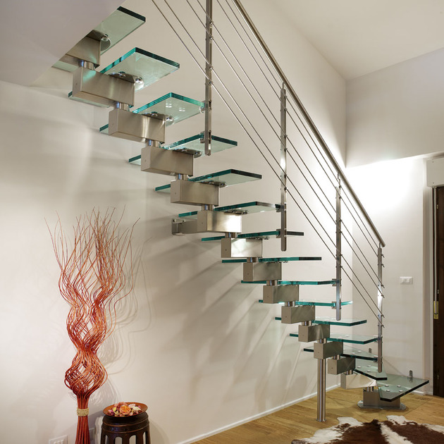unusual-unique-staircase-modern-home-green-glass-3.JPG