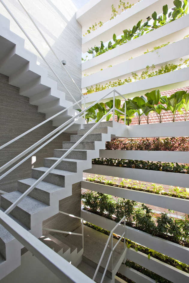 unusual-unique-staircase-modern-home-veggie-garden.jpg