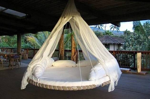 upcycled-furniture-trampoline-bed.jpg