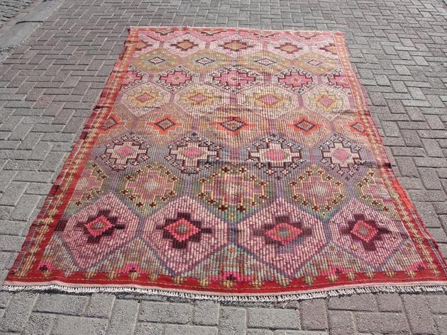 kilim-cicim-area-rug-69x120-wool-cotton.jpg