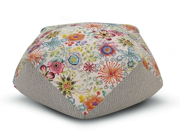 poufs-for-modern-rooms-diamante1.jpg