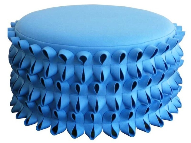 poufs-for-modern-rooms-round-lola.jpg