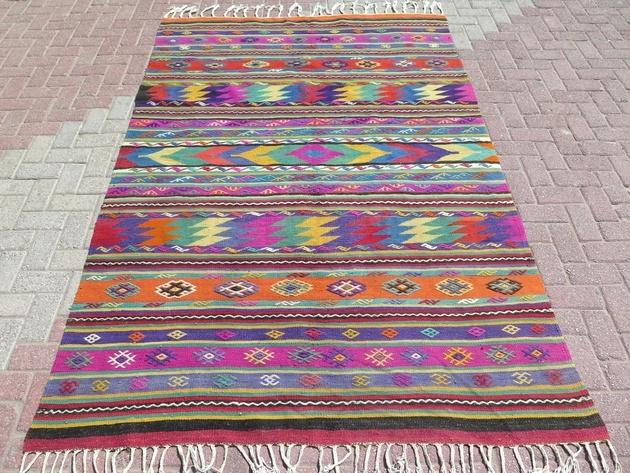 vintage-turkish-kilim-area-rug-66x101.jpg