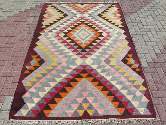 kilim-sofreh-rug-70x111.jpg