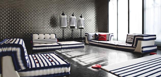 mah-jong-sofa-matelot-design-roche-bobois-1.jpg