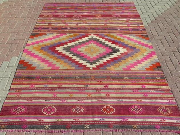 nomads-kilim-embroidered-rug-80x111.jpg