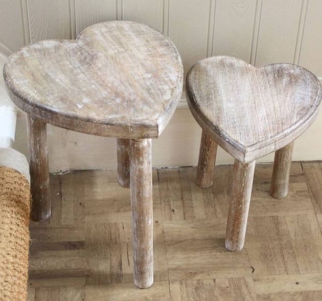8-heart-shaped-stools.jpg