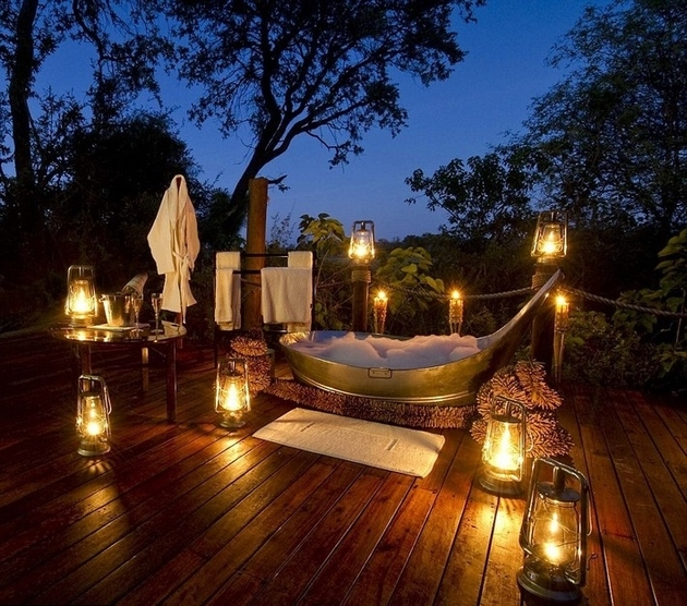 incredible-view-from-outdoor-romantic-bathroom-37.jpg