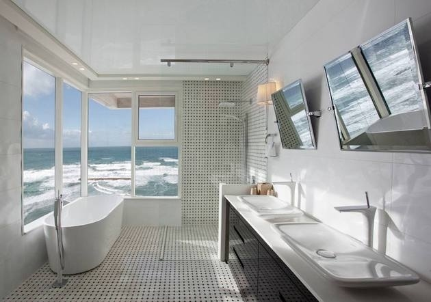 tel-aviv-mediterranean-sea-stunning-corner-bathroom-5.jpg