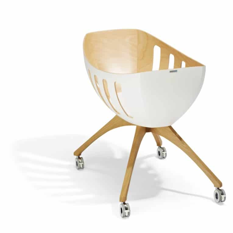 Baby bassinet and cradle with windows by gloria lavi - Babywiege modern ...