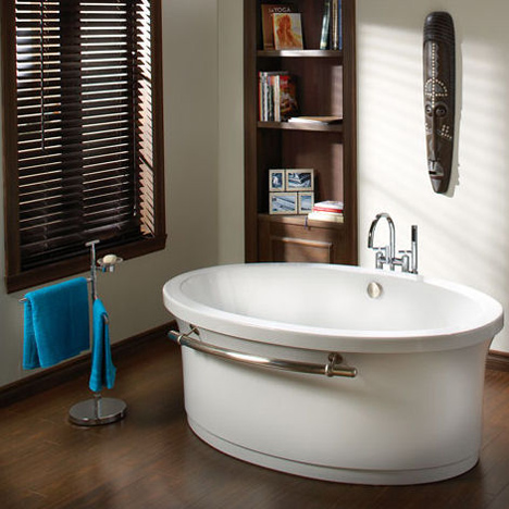 bains oceania baths grace free standing airbath Contemporary tub from Bains Oceania Baths   the Grace free standing air bath